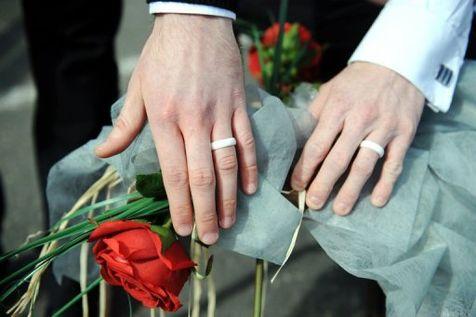 Le mariage pour tous vu d'Europe : « Jusqu'où est-on prêt à aller ? »