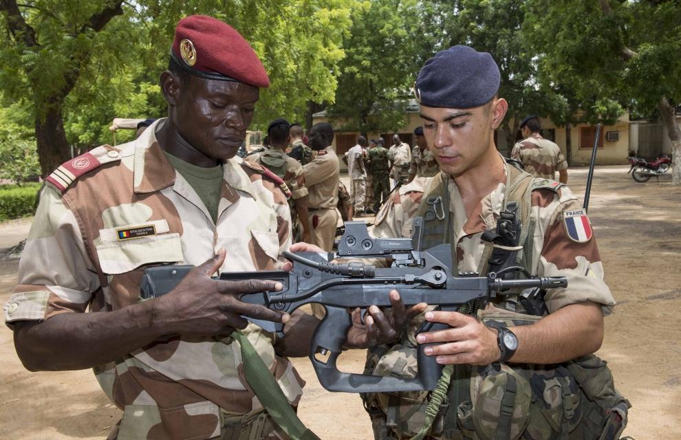Tchad : d'où viennent les armes de Déby ?