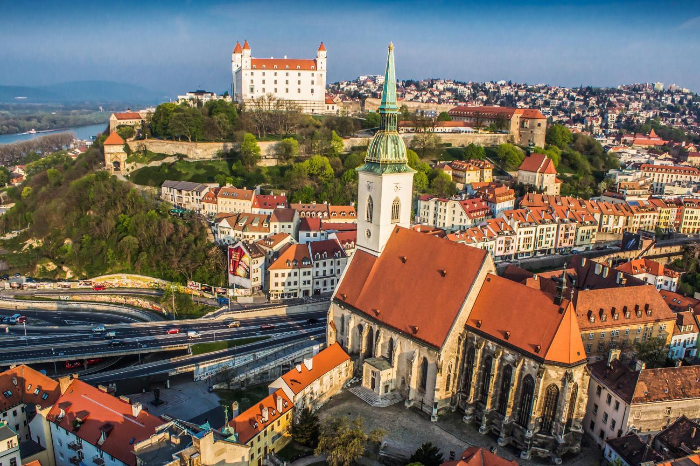 Entre opportunités professionnelles et grandes multinationales, petit guide d'un expatrié à Bratislava.