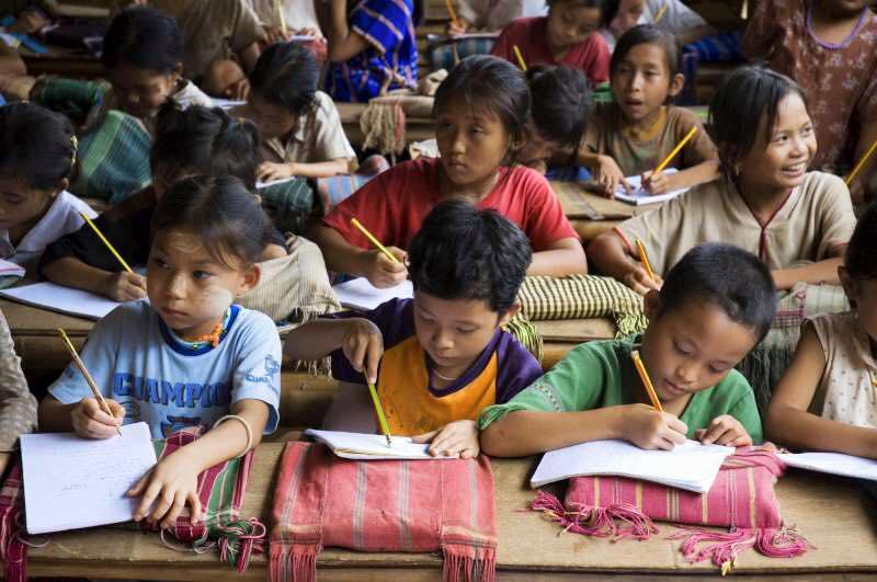 L'éducation des Karens malgré la guerre civile