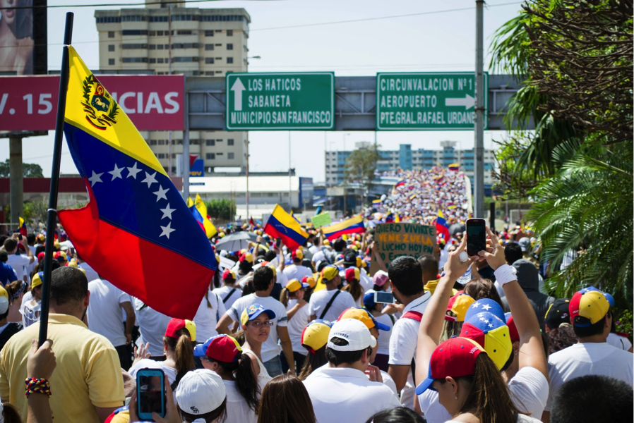 Pénuries alimentaires, crise sanitaire et rupture politique : le naufrage vénézuélien