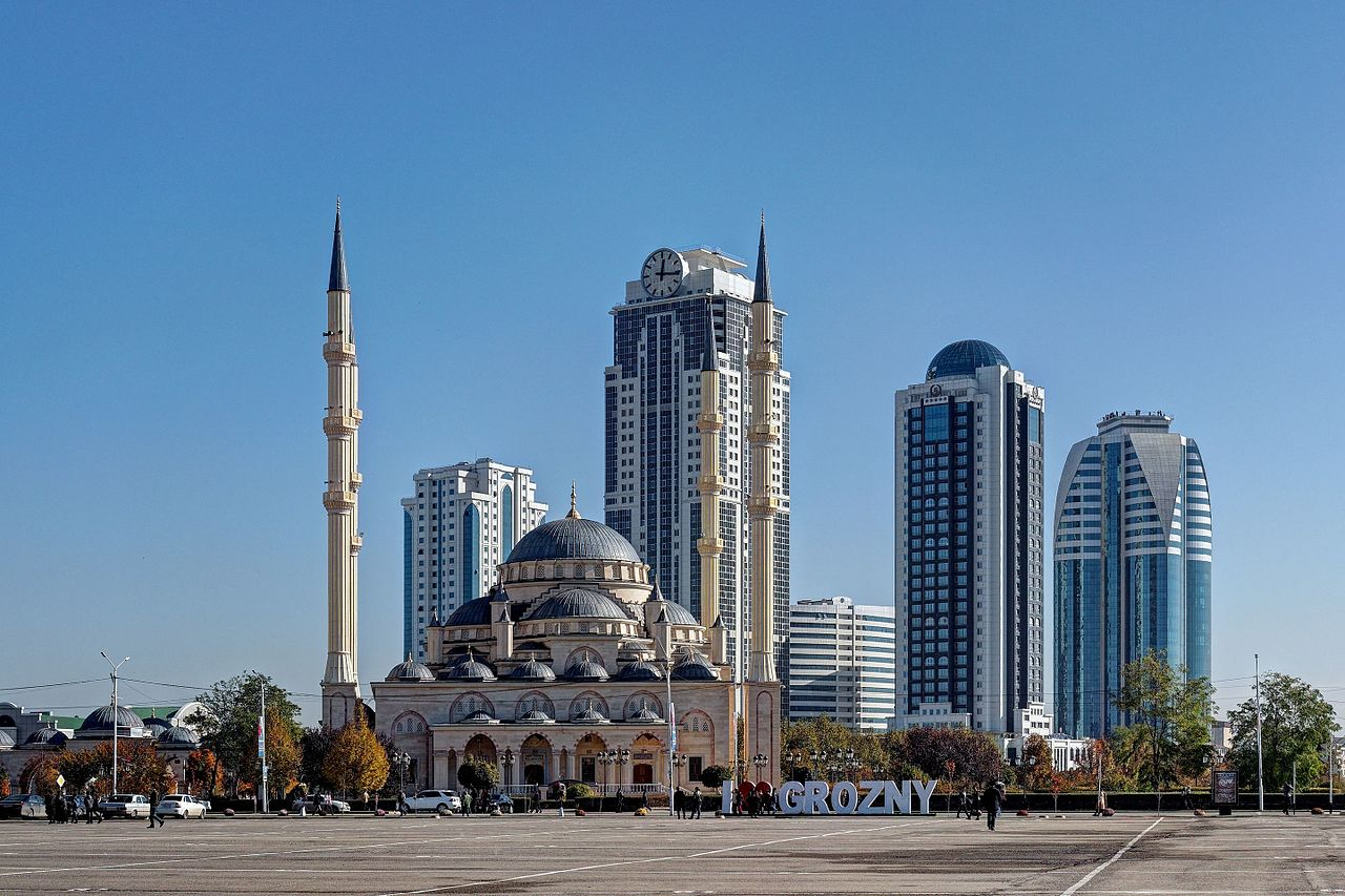 Grozny._Grozny-City_Towers._Mosque_The_Heart_of_Chechnya_PB040055_2200