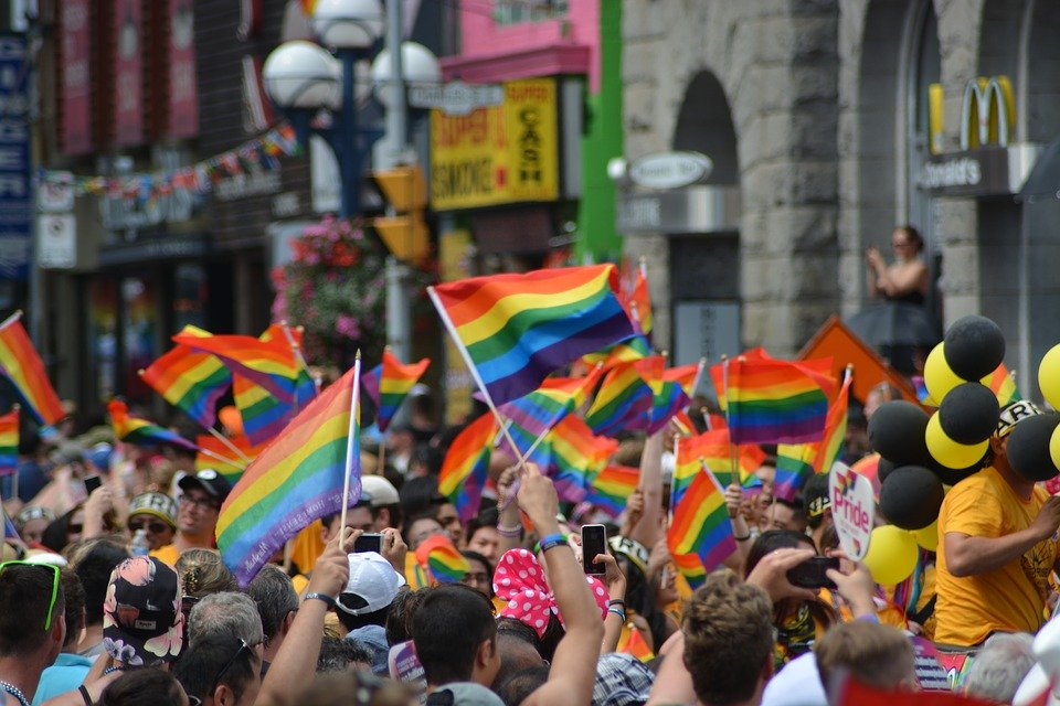 Pride : marcher pour l'égalité ou pour la différence ?