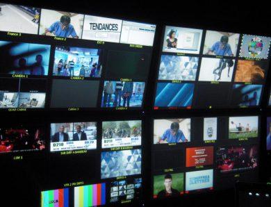 Le système des médias en Europe post-communiste :   Étude comparée des systèmes médiatiques russe, ukrainien, géorgien, arménien et azerbaïdjanais